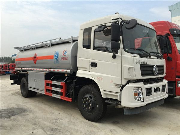 New Dongfeng 4x2 fuel tanker (12-15 m3)