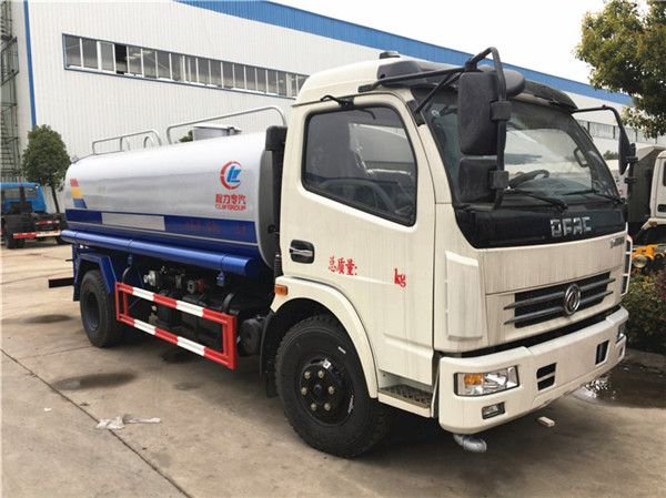 Dongfeng DLK water truck (6-7 m3)