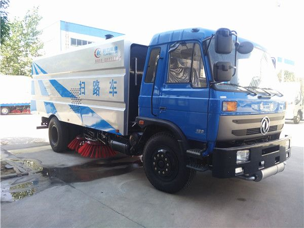 Dongfeng 153 road sweeper truck