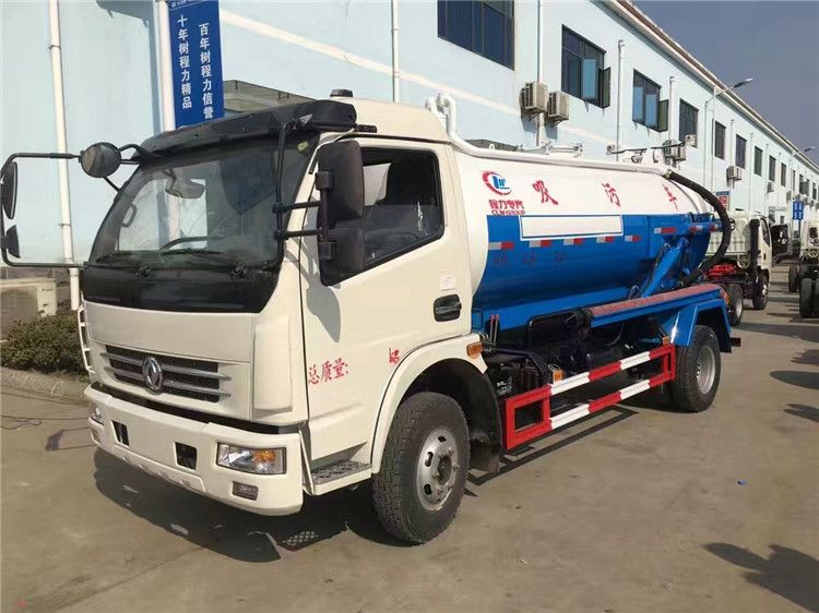 DFAC 4-6m3 sewage suction truck